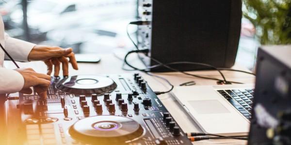 DJ Seri Logo